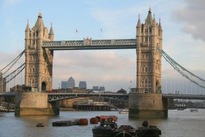 6948279-bridge-london-tower